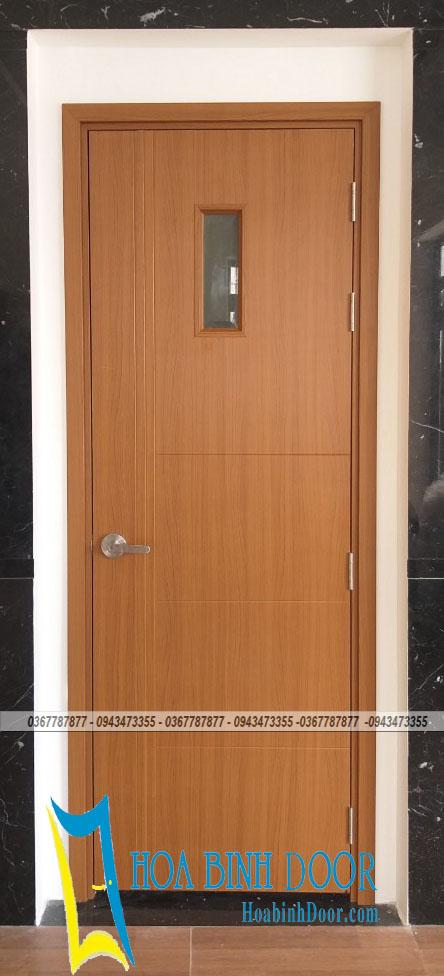 cửa composite có ô kính